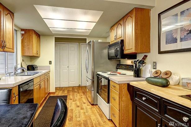 4712 237th Place Sw , Mountlake Terrace, WA - USA (photo 4)