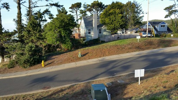 Lot 7 Sw Beach Ave , Lincoln City, OR - USA (photo 5)