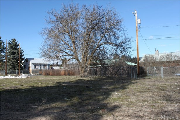 607 W 6th St , South Cle Elum, WA - USA (photo 5)