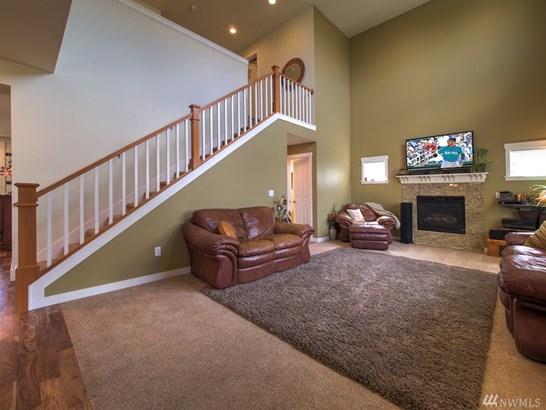 25417 Se 275th Place , Maple Valley, WA - USA (photo 2)