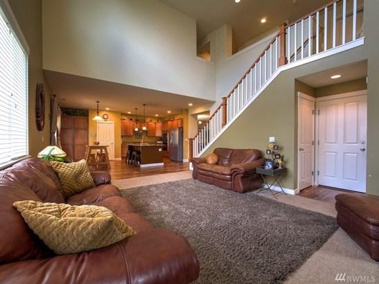 25417 Se 275th Place , Maple Valley, WA - USA (photo 3)