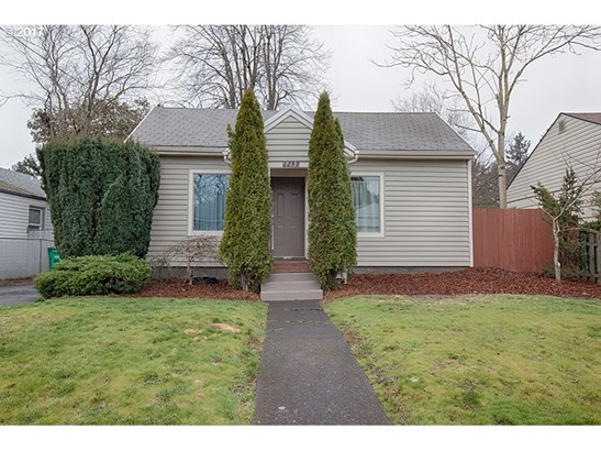 2237 Ne 81st Ave , Portland, OR - USA (photo 2)