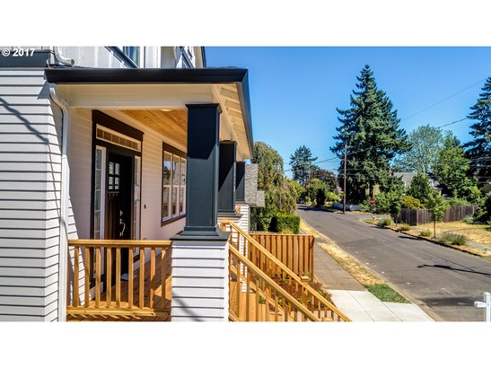 3517 Ne Webster St , Portland, OR - USA (photo 5)