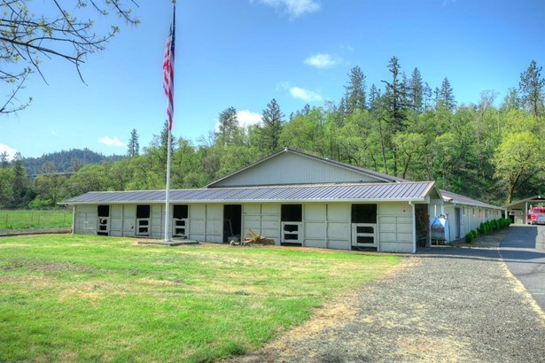 11110 Hwy 140 , Eagle Point, OR - USA (photo 3)