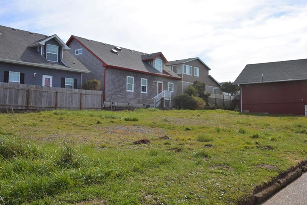 Lot 4 (south Half Tl6600) Nw Coast St , Newport, OR - USA (photo 3)