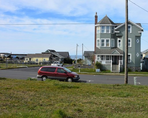 Lot 4 (south Half Tl6600) Nw Coast St , Newport, OR - USA (photo 4)