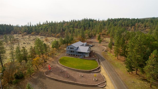 6501 Butte Falls Hwy , Eagle Point, OR - USA (photo 3)