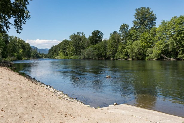 3346 Rivercrest Dr , Grants Pass, OR - USA (photo 2)