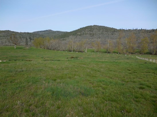 17210 Highway 62 , Eagle Point, OR - USA (photo 1)