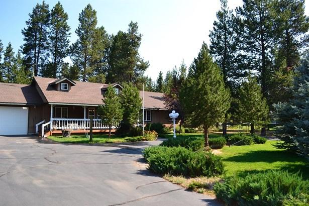 15864 Woodchip Lane , La Pine, OR - USA (photo 1)
