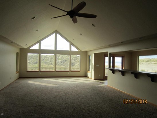 718 Nw Oceania Dr , Waldport, OR - USA (photo 2)