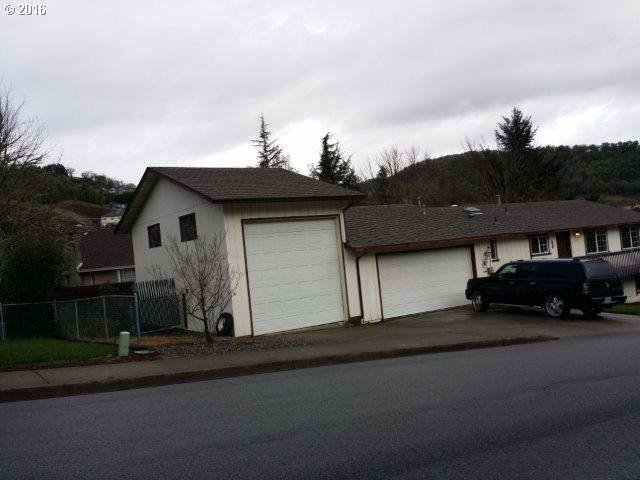 1936 Nw Sunberry Dr , Roseburg, OR - USA (photo 4)