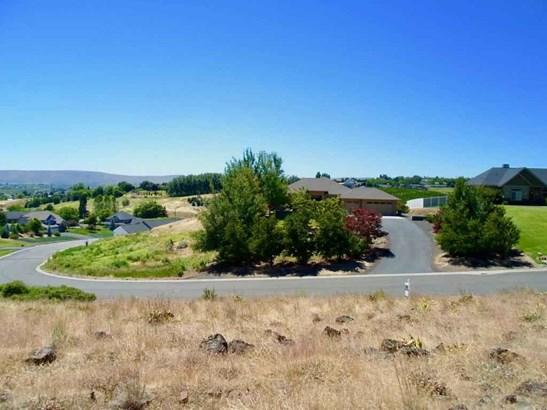 Nka Majesty Heights Dr , Yakima, WA - USA (photo 2)