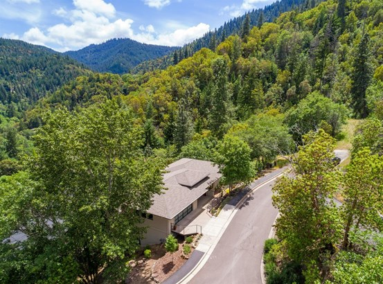 699 Ashland Creek Dr , Ashland, OR - USA (photo 3)
