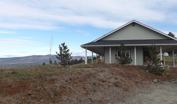 4221 Pioneer Rd , Medford, OR - USA (photo 2)