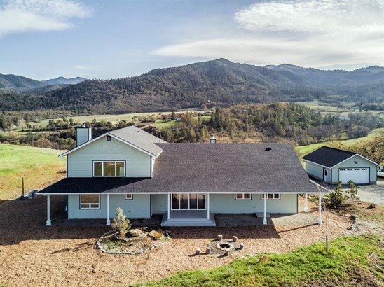 4221 Pioneer Rd , Medford, OR - USA (photo 3)