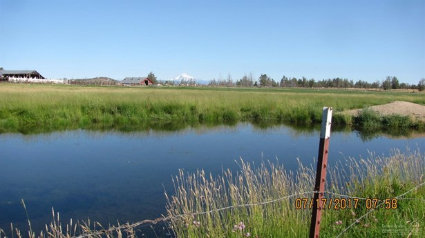 1085 Oneil Way , Redmond, OR - USA (photo 3)