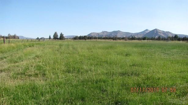 1085 Oneil Way , Redmond, OR - USA (photo 4)