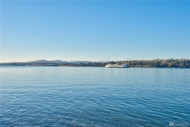 3897 Beach Dr E , Port Orchard, WA - USA (photo 2)