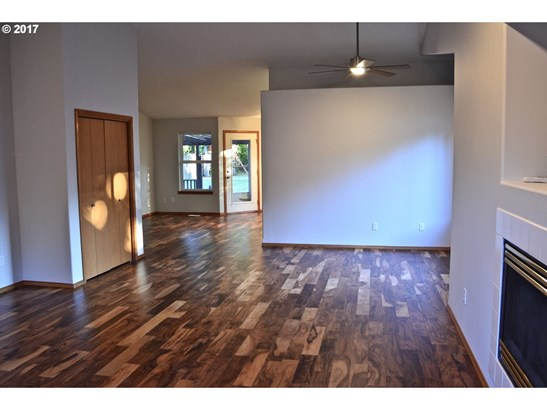 34958 Roberts Ln , St. Helens, OR - USA (photo 4)