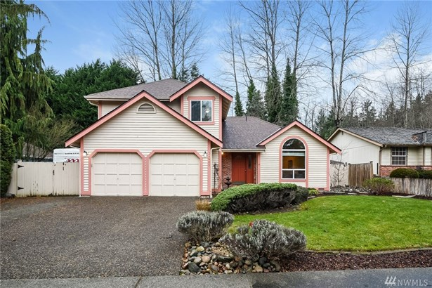 Great Neighborhood Walking Distance to Kentwood HS & Mattson Middle School. Backing to Greenbelt Open Space for Privacy and Seclusion. Highly Desirable Emerald Downs Neighborhood with Large Lots!
