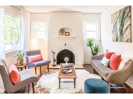 4753 Ne Couch St , Portland, OR - USA (photo 2)