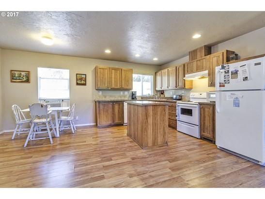 56825 Sw Oak St , Gaston, OR - USA (photo 5)