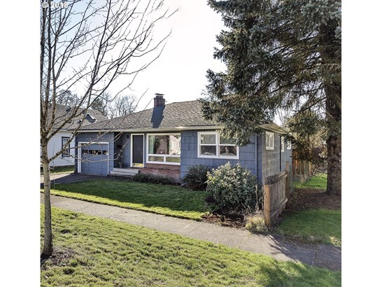 2418 16th Ave , Forest Grove, OR - USA (photo 1)