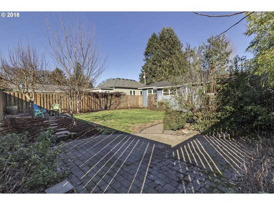 2418 16th Ave , Forest Grove, OR - USA (photo 5)