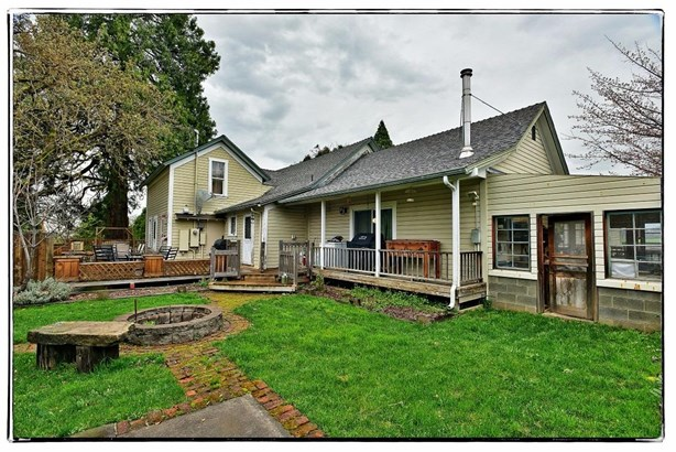 4009 Griffin Creek Rd , Medford, OR - USA (photo 5)