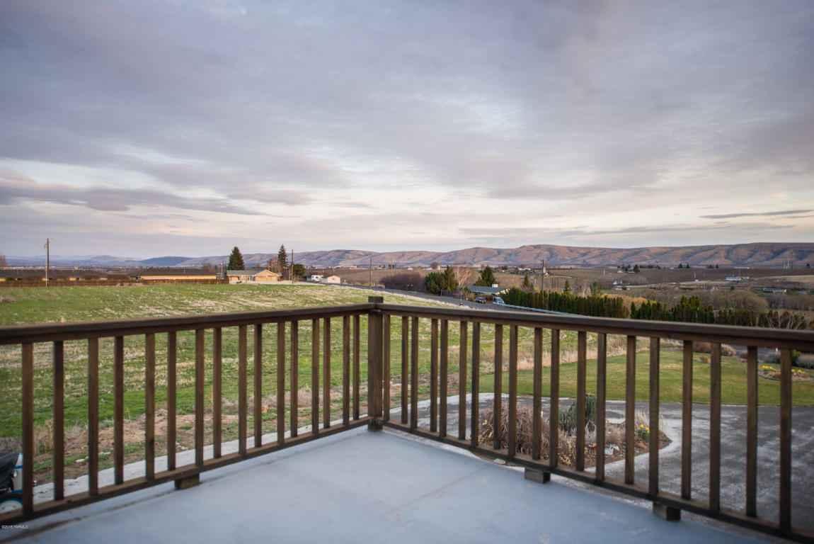 10903 Estes Rd , Yakima, WA - USA (photo 2)