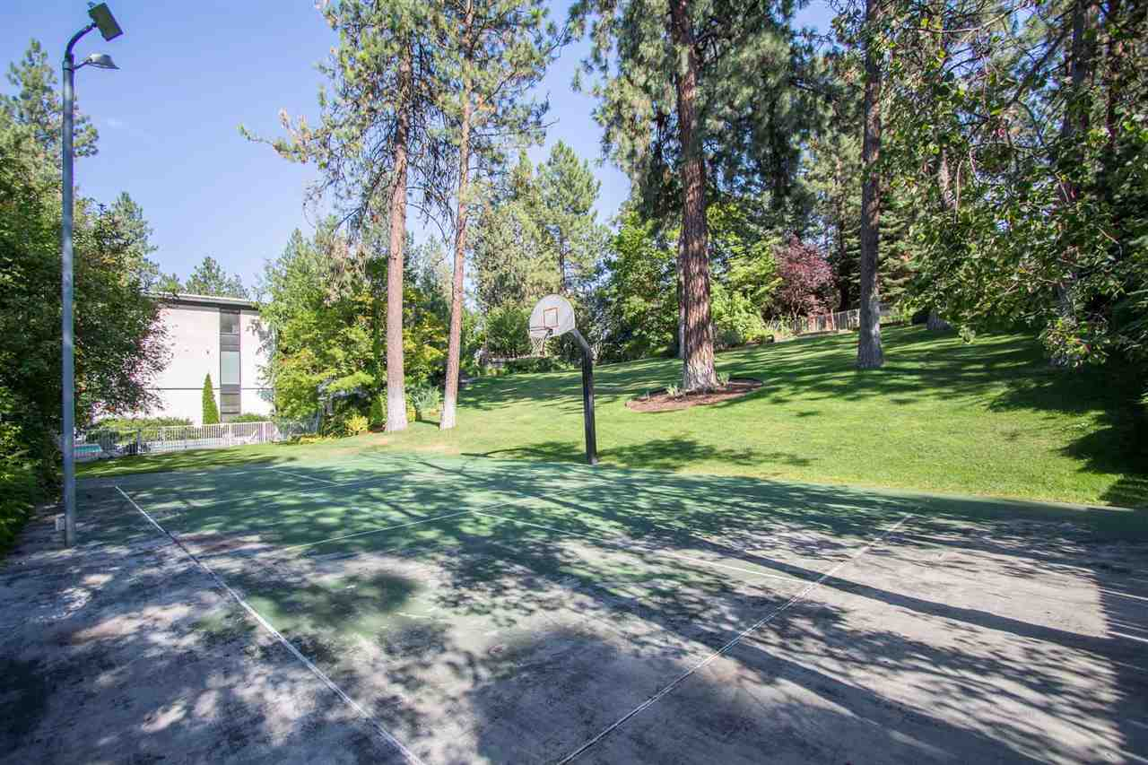 1606 S Crest Hill Dr , Spokane, WA - USA (photo 3)