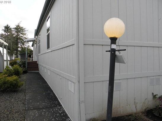 900 Ne Francis Ave , Gresham, OR - USA (photo 2)