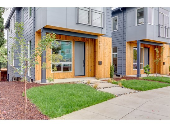 3637 Se 28th Ave , Portland, OR - USA (photo 2)