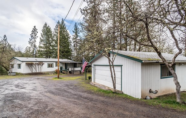 1010 Danconia Dr , Trail, OR - USA (photo 4)