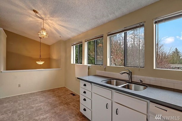 19226 35th Place Ne , Lake Forest Park, WA - USA (photo 3)