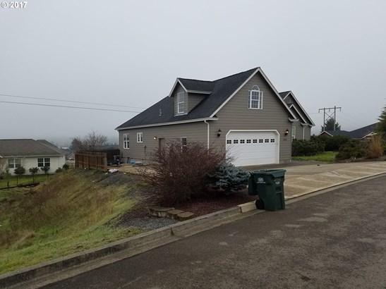 2062 Scardi Blvd , Sutherlin, OR - USA (photo 3)