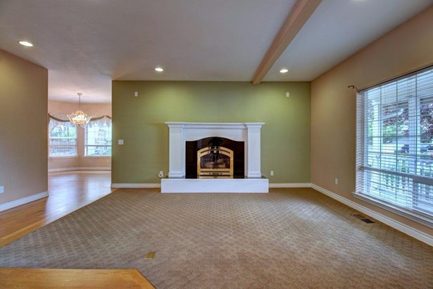 170 Rosewood Ln , Central Point, OR - USA (photo 3)