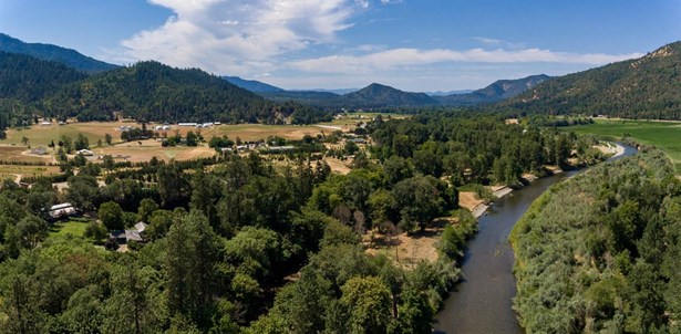 12591 Williams Hwy , Grants Pass, OR - USA (photo 2)