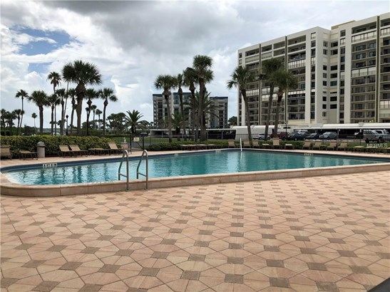Condominium, Florida,Traditional - CLEARWATER BEACH, FL