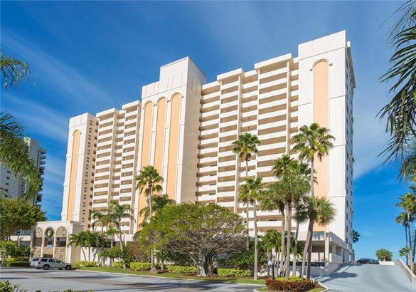 Condominium, Florida - CLEARWATER BEACH, FL