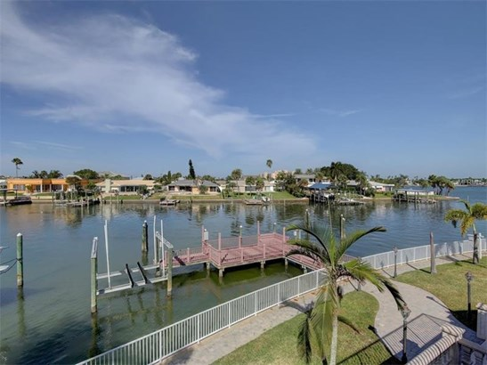 Single Family Home, Florida - CLEARWATER BEACH, FL (photo 3)