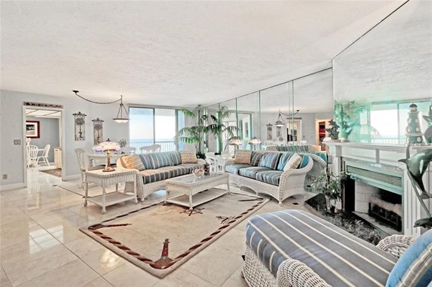 Condominium, Contemporary,Florida - CLEARWATER BEACH, FL (photo 5)