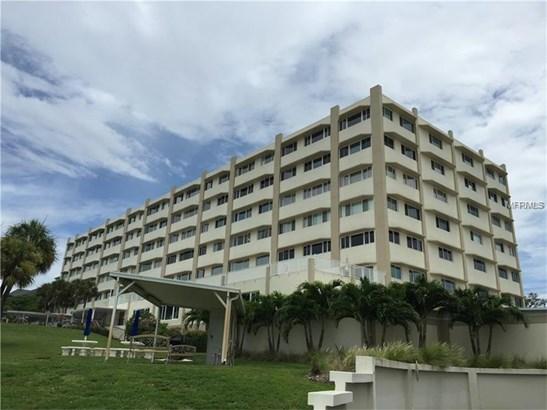Condominium - BELLEAIR BLUFFS, FL (photo 1)