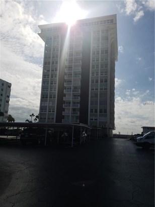 Condominium - REDINGTON SHORES, FL