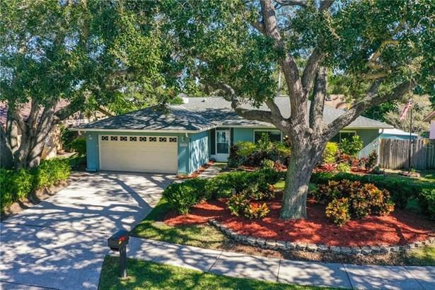 Single Family Residence - SEMINOLE, FL