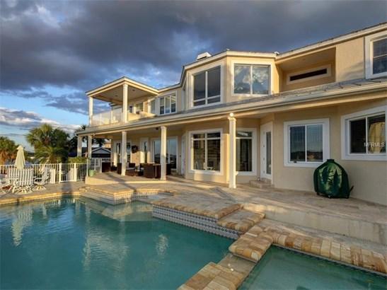 Single Family Home, Contemporary - BELLEAIR BEACH, FL (photo 1)
