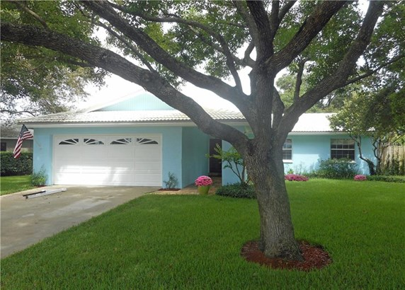 Patio,Ranch, Single Family Residence - LARGO, FL
