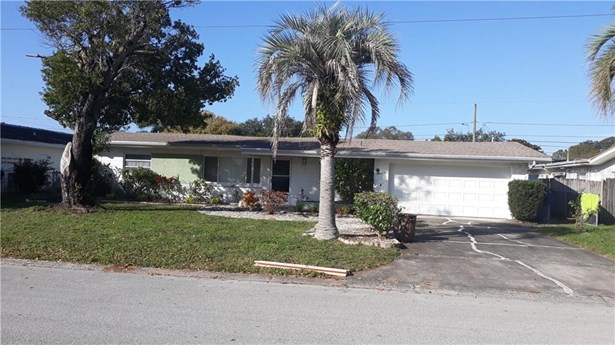 Single Family Residence - LARGO, FL