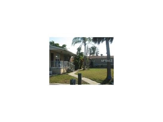 Triplex, Bungalow,Courtyard,Florida - REDINGTON SHORES, FL (photo 3)